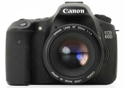 Canon EOS 60D sở hữu nhiều công nghệ tiên tiến từng xuất hiện trên dòng DSLR phổ thông 550D và tầm trung cao cấp 7D. Ảnh: Dpreview.