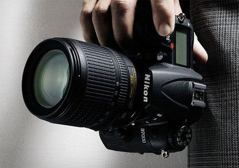 Nikon D7000 là máy ảnh DSLR của năm. Ảnh: Gearpatrol.