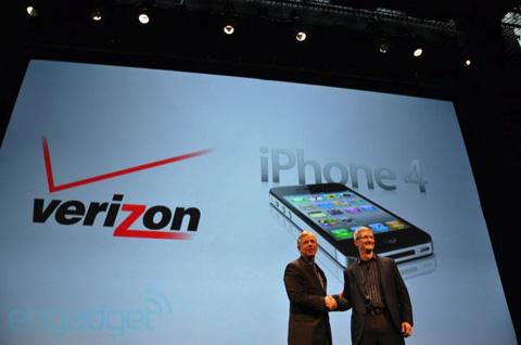 Verizon iPhone 4 chính thức ra mắt. Ảnh: Engadget.