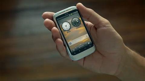 Chiếc smartphone lạ trong video quảng cáo của HTC.