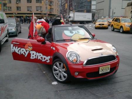 1000499055_angrybirds-car1.jpg