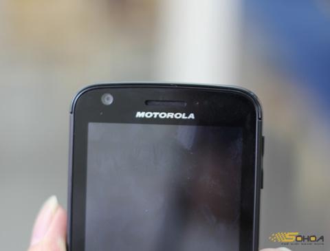 1000029084_MOTOROLA_ATRIX_4G_3.jpg