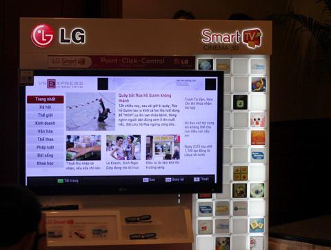 Nội dung VnExpress sẽ có trên TV LG với giao diện mới. Ảnh: Quốc Huy.