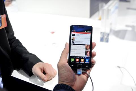Galaxy S II có cấu hình mạnh mẽ. Ảnh: Quốc Hoàn.
