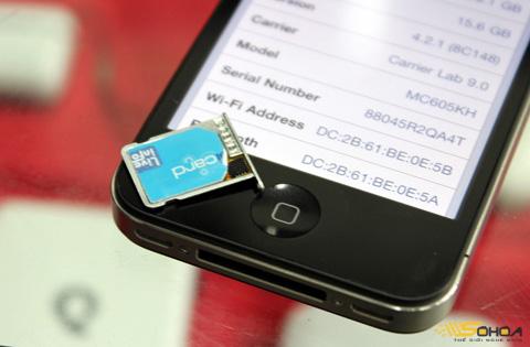 Giá bộ ghép SIM cho iPhone 4 lock dao động từ 1,5 đến 2 triệu đồng. Ảnh: Quốc Huy.