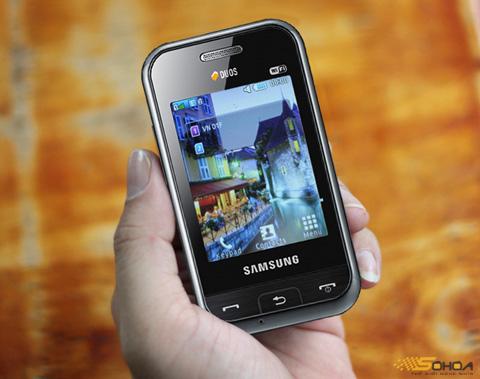 Champ Duos Wi-Fi sở hữu màn hình cảm ứng với giao diện dễ dùng. Ảnh: Quốc Huy.