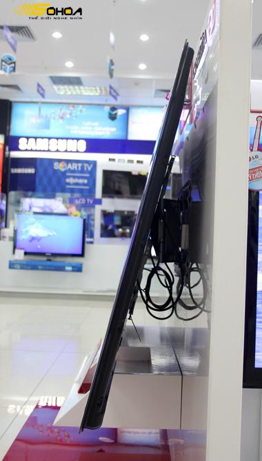 Mẫu Cinema 3D của LG sử dụng màn hình đèn viền LED, hỗ trợ độ phân giải Full HD và tốc độ quét hình TruMotion 200Hz.