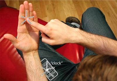 Giao diện iPhone vô hình trên lòng bàn tay