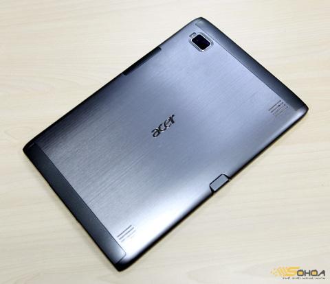 Tab của Acer có bộ vỏ kim loại, rất chắc chắn, nhưng khá năng.