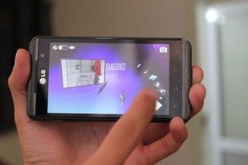 1000516131_LG_Optimus_3D_5.jpg