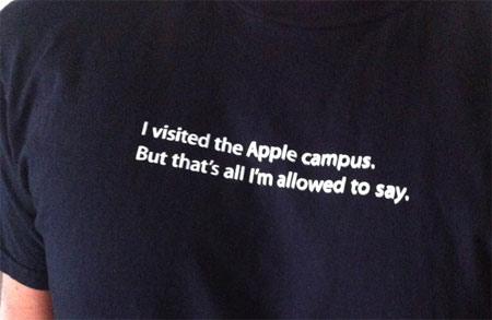 Apple đem cả truyền thống giữ bí mật của mình ra làm trò đùa.
