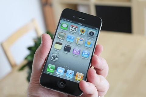 Thông tin về iPhone 5 sắp có mặt không ảnh hưởng tới doanh số sản phẩm này. Ảnh minh họa: Pocket-lint.