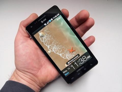 Samsung Infuse 4G của nhà mạng AT&T. Ảnh: GSM Arena.