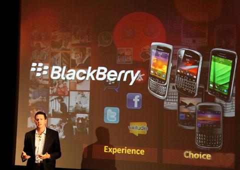 Hình ảnh RIM ra mắt các smartphone mới tại BlackBerry Media Event.