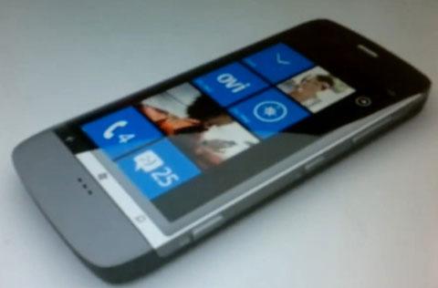 Nokia Sea Ray là một trong số những smartphone chạy Windows Phone đầu tiên của Nokia. Ảnh: Nokianext.