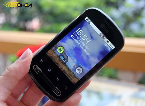 Optimus Me với Android 2.2. Ảnh: Tuấn Anh.