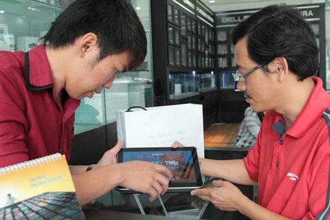 Thử nghiệm màn hình của mẫu tablet 10,1 inch từ Samsung.