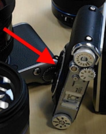 Hình ảnh được cho là mẫu máy ống kính rời không gương lật mới của Samsung. Ảnh: Photorumors.