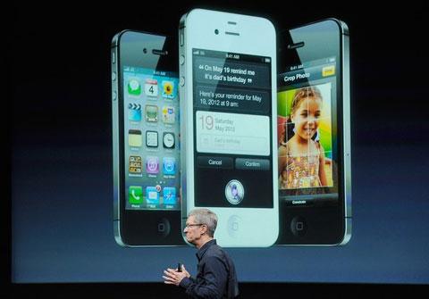 Sự xuất hiện của Tim Cook không gây ồn ào như Steve Jobs trước đây. Ảnh: Daylife.