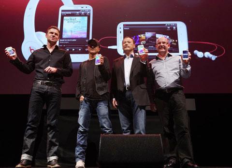 HTC Sensation XL xuất hiện tại sự kiện của HTC hôm qua.