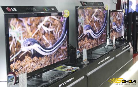 Khác với LCD, dòng TV LED 2D và 3D có giá ổn định. Ảnh: Tuấn Anh.