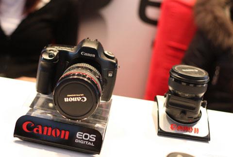 Canon 60D một trong những mẫu máy ảnh DSLR bán chạy nhất Việt Nam