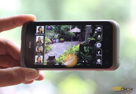 """Với máy ảnh 5 """"chấm"""", Rhyme hỗ trợ nhiều chế độ chụp ảnh với các hiệu ứng khác nhau..."""