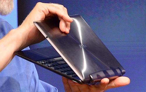 Asus Transformer thế hệ thứ hai với chip lõi tứ Nivida Tegra 3.