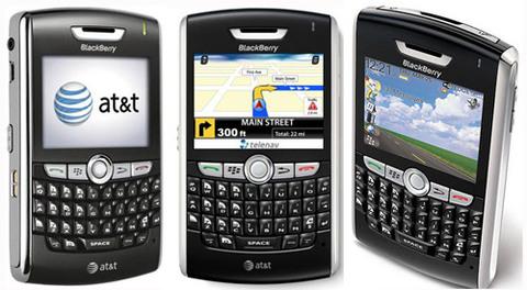 8820 của nhà mạng AT&T có giá 1.850.000 đồng.