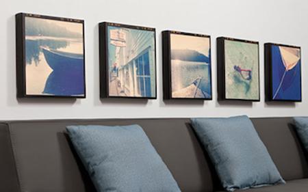 Ảnh treo tường được chụp bằng iPhone và hiệu ứng Instagram.