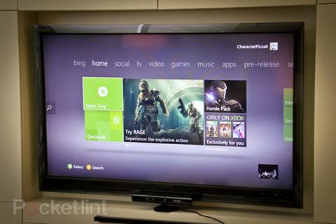 Thay thế cho hệ thống Menu chạy dọc như trước, các thẻ phân loại Home, Social, Game, Video trên Xbox 360 Dashboard được chuyên thành hàng ngang.