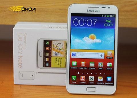 Galaxy Note với màn hình 5,3 inch. Ảnh: Tuấn Anh.
