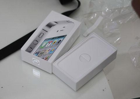 Một vài người dùng chọn mua bản màu trắng.