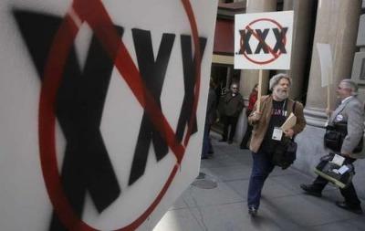Thế giới vẫn có thêm tên miền .xxx dù nhiều cuộc biểu tình phản đối diễn ra.
