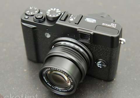 1000035329_fujifilm-x10-ifa-hands-on-pre