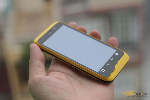 Đây là chiếc smartphone Trung Quốc cao cấp nhất đang bán tại Việt Nam, trước đó, nhiều smartphone của hãng chỉ nhắm tới phần khúc giá trung dưới 6 triệu và điện thoại giá rẻ.