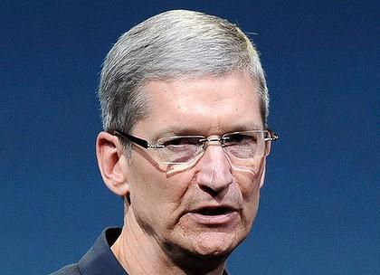 Tim Cook cũng quan tâm đến từng tiểu tiết khi xây dựng sản phẩm nhưng có cách điều hành nhã nhặn hơn Steve Jobs.