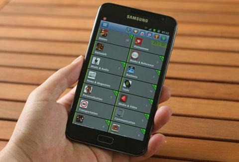 AppStore VN với hơn 1.000 ứng dụng có bản quyền. Ảnh: Quốc Huy.