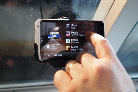 Smartphone lõi tứ đồng loạt ra mắt tại MWC 2012. Ảnh: Digital Trends.