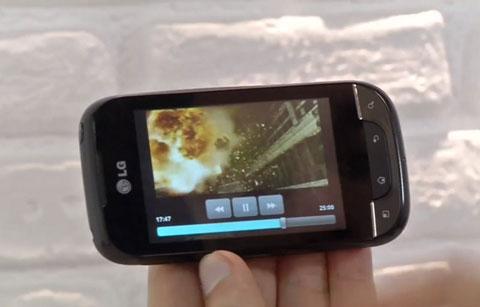 Optimus Net với màn hình chạm.
