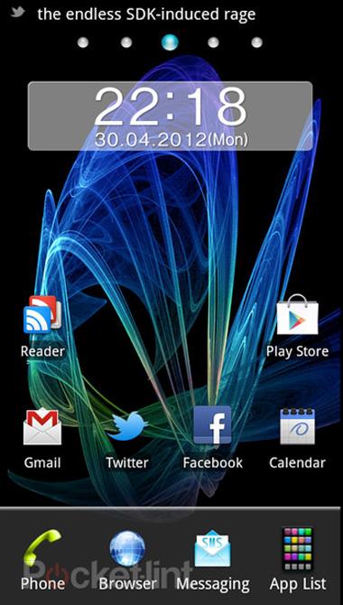1000038386_Panasonic-Eluga-10.jpg