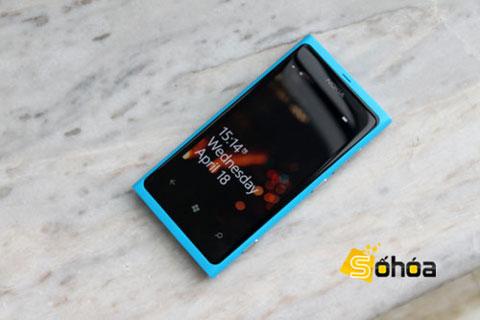 Lumia 800 với thiết kế tốt. Ảnh: Tuấn Anh.