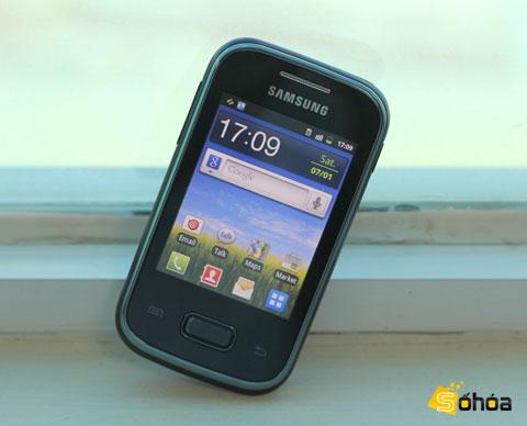 Màn hình của Galaxy Pocket chỉ 2,8 inch.