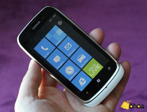 Lumia 610 là mẫu Windows Phone thứ ba được Nokia đưa về Việt Nam.