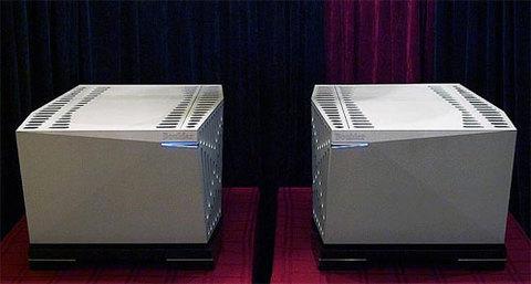 Boulder 2010 - 3050 sở hữu thiết kế nguồn rời.