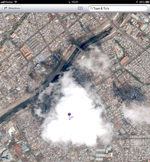 Bản đồ vệ tinh vẫn còn nhiều lỗi, có thể nhà cung cấp chỉ chụp ảnh một lần, do vậy nhiều điểm bị mây che.