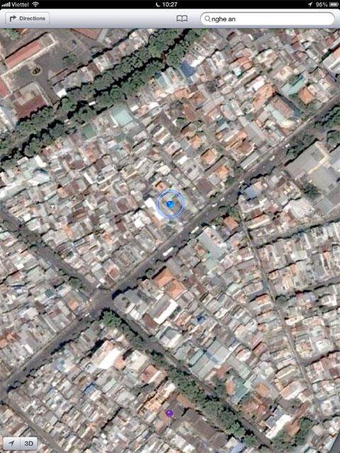 So với Google Maps, mức độ chi tiết về đường phố không cao bằng.