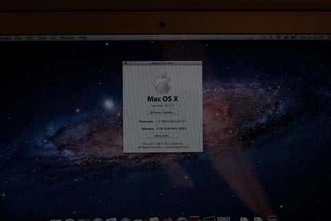 Máy vẫn chạy hệ điều hành Mac OS X và sẽ được nâng cấp lên Mountain Lion miễn phí trong thời gian tới.