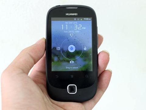 Mẫu Y100 của Huawei với giá bán 2,4 triệu đồng, chạy Android.