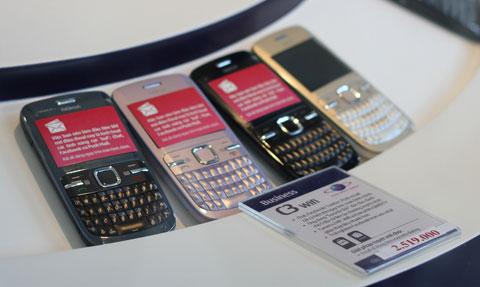 Samsung đang có lợi thế ở mảng smartphone. Ảnh: Quốc Huy.